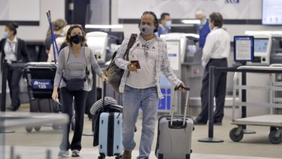 United Airlines Worker Files Lawsuit Challenging Forced Union Dues