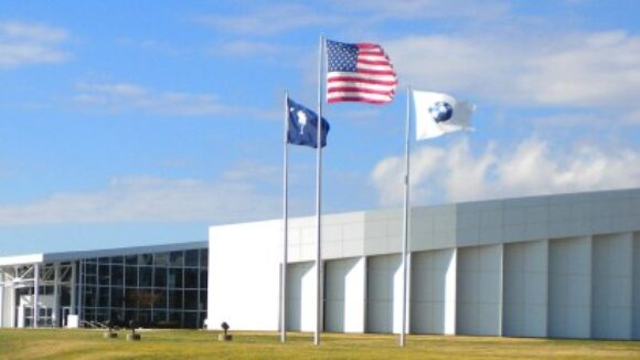 Owners of GM, Chrysler Tap UAW Strike Fund to Tackle Right To Work